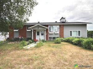 235 000$ - Bungalow à vendre à St-André-Avellin Gatineau Ottawa / Gatineau Area image 1