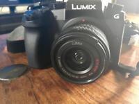 Panasonic LUMIX DMC-G7 14-42mm lens + accessories £475