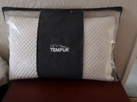 Tempur cloud buy pillow great condition