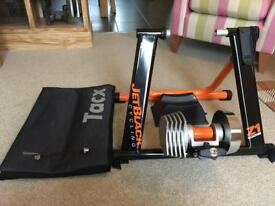 Fluid Turbo Trainer with Mat and Riser block