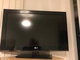 32Inch Black LCD TV with built in Freeview