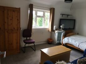 Large Double Room-Monday to Friday