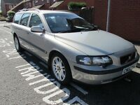 Volvo V70 Estate, Auto, full leather, Full spec, Brand New MOT, very nice car, clean throughout!