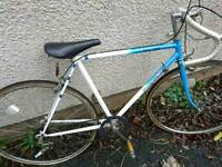 TOWNSEND MENS RACER ROAD BIKE, 21 INCH FRAME, 27 INCH WHEELS, 10 GEARS, GOOD TYRES, VGC