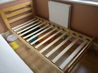 Wooden frame single bed