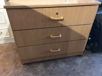SOLID WOODEN CHEST DRAWER NICE CONDITION