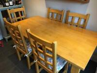 Dining/Kitchen Table 6 chairs