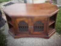 MEGA SOLID AND HEAVT - TV UNIT / FABLE / SIDEBOARD / STORAGE - CLACTON