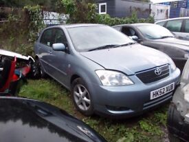 Toyota corolla 2002 BREAKING FOR SPARES PARTS