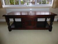 Old Charm Solid Oak Coffee Table With Central Cupboard