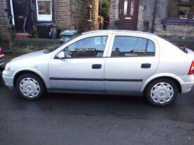 Vauxhall Astra silver 1600 petrol