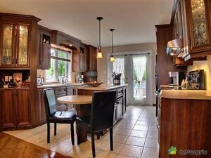 377 000$ - Bungalow à vendre à Chicoutimi Saguenay Saguenay-Lac-Saint-Jean image 2