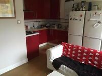 Room in Earlsfield flatshare with ensuite