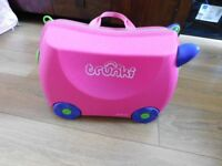 Trunki 'Trixie' Pull Along / Ride On Case with strap