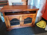Beautiful tv unit fab condition