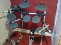 Yamaha DTExplorer Electronic Drum Kit With Stool