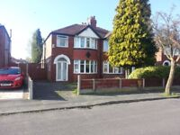 Nice room in quiet houseshare near Timperley Metro