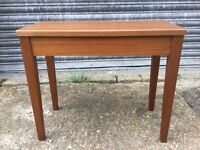 Wooden Piano Stall
