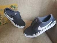 Nike sb trainers grey size uk 5