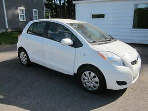 2010 Toyota Yaris LE/RS
