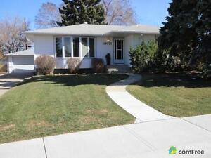 $469,900 - Bungalow for sale in Gold Bar