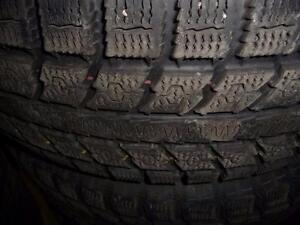 4 pneus d'hiver 235/70/16 Toyo Observe GSI-5