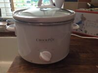 Crockpot for sale. Ideal for one person. Good condition. White in colour.