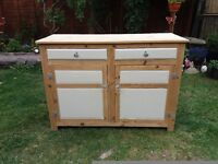 Pine side unit with 2 draws and 2 cupboards