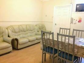 Room to Rent, Mount Pleasant, Redditch. Available