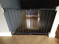 Munchkin baby gate