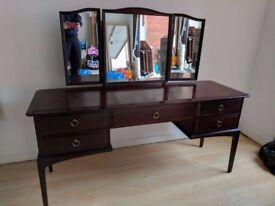 5 Drawer Dressing Table with matching Stool and 3 Adjustable Mirrors Excellent condition