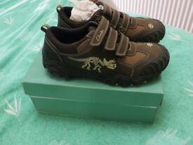 new clarks boy walking shoes, 2G