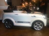 Mini Cooper white unisex 6v electric car with charger