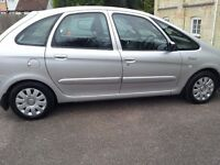 CITROEN PICASSO.AUTOMATIC .EXCLUSIVE. LOW MILEAGE 73k.FULL HISTORY. ALL EXTRAS, GENUINE & SUPERB...