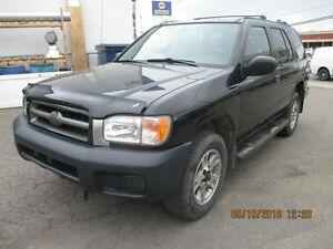 2002 Nissan Pathfinder XE/SE/SE avec groupe autopatrouille/LE
