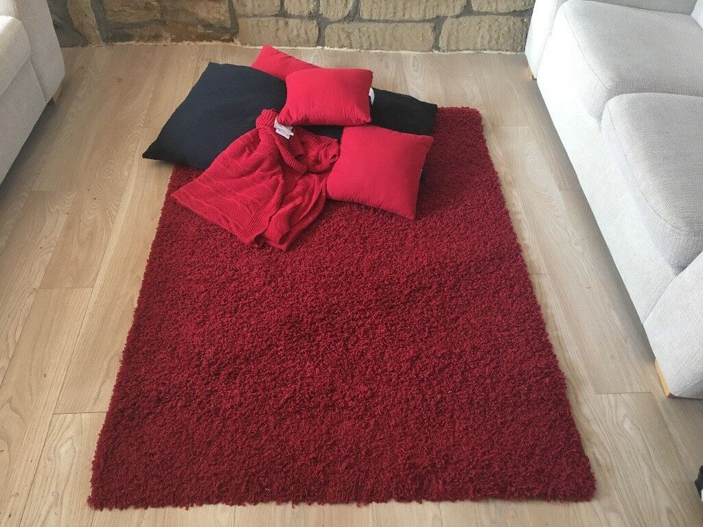 NEW RED RUG SIZE: 120X170 CM | in East