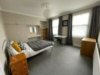 Superb Large Double Room Close to East Croydon Station | For Rent |