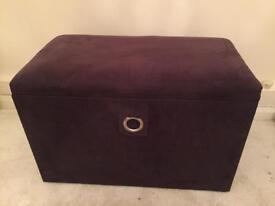 Ottoman/Seat/Storage chest
