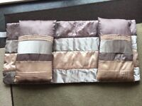 Bed Runner Excellent Condition