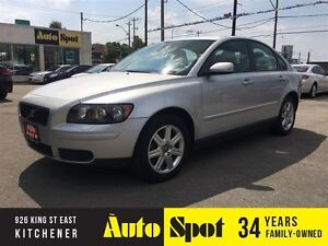 2006 Volvo S40 2.4L/LOW,LOW KMS!/ BEAUTFIFUL CAR!!