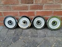 BRAND NEW BOXED 4 X 5KG CHROME WEIGHT PLATES