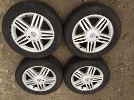 "Renault Megane / Megane scenic 17"" alloy wheels - excellent tyres"