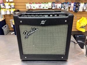 Amplificateur pour guitare FENDER Mustang 1 V2  ***Excellente Condition*** #F020035