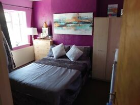 Double room in two bed flat share with one female tenant only £700 including bills