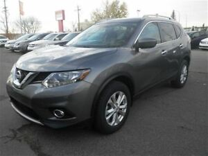 2016 Nissan Rogue SV | Moonroof | Heated Seats | Backup CAM