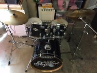 Mapex Midnight Black Drum Kit
