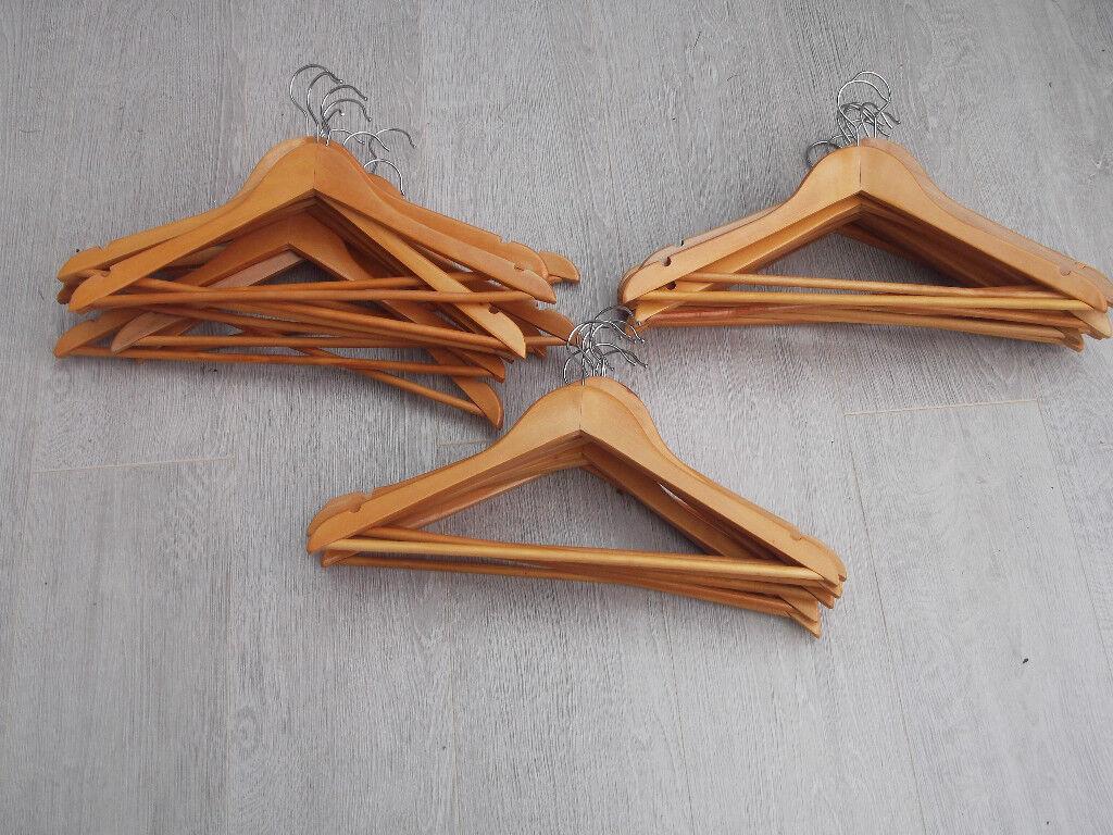 Hangers Wooden 28 44cms x 23cms