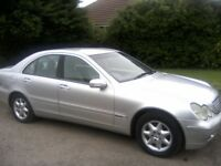 MERCEDES 220 CDI C CLASS ELEGANCE AUTOMATIC TURBO DIESEL 4-DOOR SALOON 2001 (PRIVATE PLATE WITH CAR)