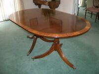Beautiful Hand-Made Polished Mahogany Veneer Dining Table