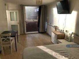 Studio flat in Pimlico, London, SW1V (#1237595)